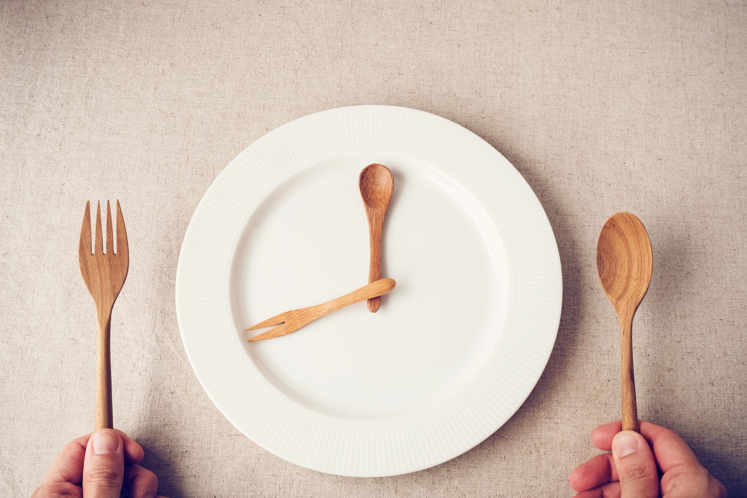 月曜断食は痩せない?リバウンドして失敗する人の特徴3つと健康的なやり方